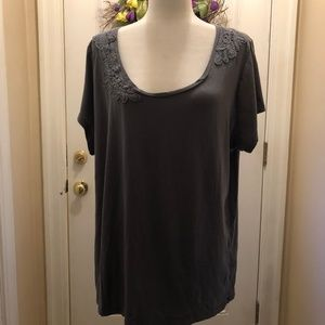AVENUE FLORAL OVERLAY T-SHIRT - 18/20